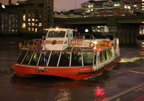 thames river cruise london new years eve new year s eve dinner and dance with city cruises golden