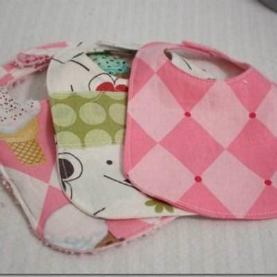 Handmade Baby Shower Gifts - handmade baby bib baby shower gift tip junkie