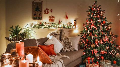 putting your holiday decorations up early could make you happier putting up your decorations early could make you a happier person entertainment heat