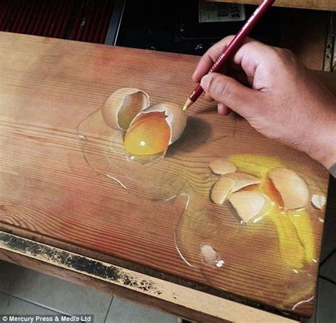 Online Sketch Maker artist ivan hoo creates drawings that looks like