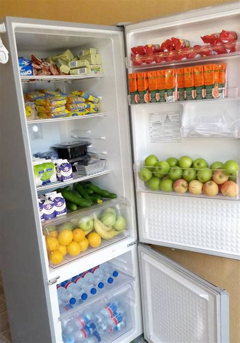 Kulkas Untuk Minuman berbagi kulkas di dubai siapapun boleh ambil makanan dan minuman gratis untuk berbuka di