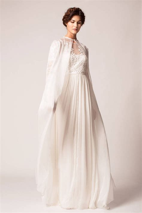 braut cape a statement trend 19 amazing wedding dresses with capes
