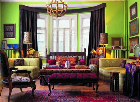joker inspired room love  bold tones  lighting  key fromepicuretopedicure