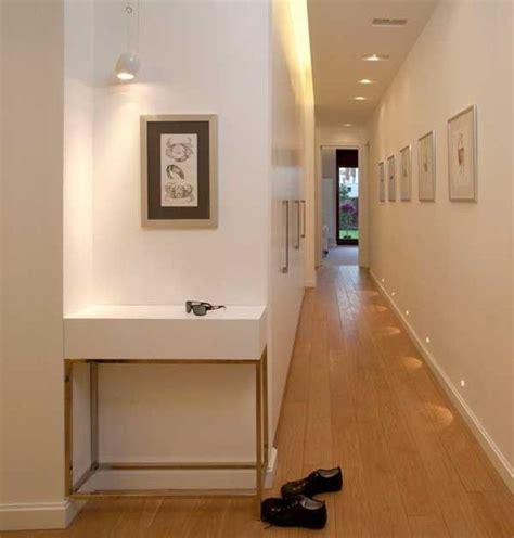 decorar con fotos un pasillo pasillos ideas para decorar un pasillo largo y estrecho