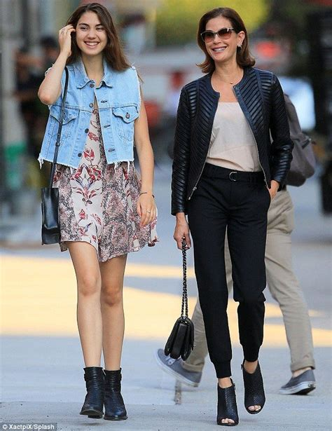 Spotted Shopping Teri And More by 768 Best Images About Teri Hatcher On