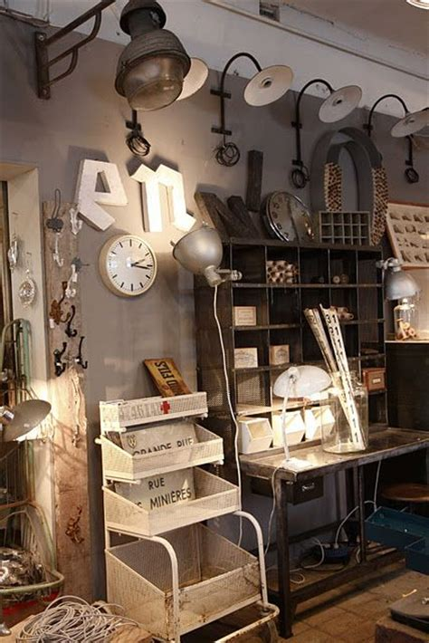 Vintage Industrial Decor by Top 25 Ideas About Booth Displays On Antique