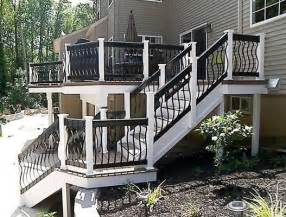 White Deck Railing With Black Balusters Hnh Deck And Porch Composite Deck With Fiberon Ipe Decking