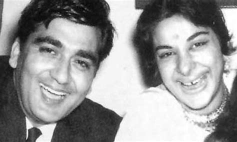 sunil dutt and nargis wedding when bollywood celebs indulged in public display of affection