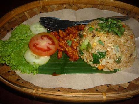 membuat nasi goreng warung nasi goreng picture of warung pulu sari ubud tripadvisor