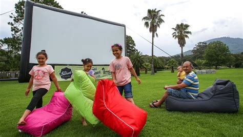 Sunset Cinema Botanic Gardens Sunset Cinema To Debut 2014 With Hunger Mockingjay Illawarra Mercury