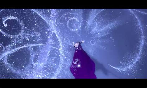 2013 film queen who sings let it go frozen 2013 with pops 14 let it go by idina menzel