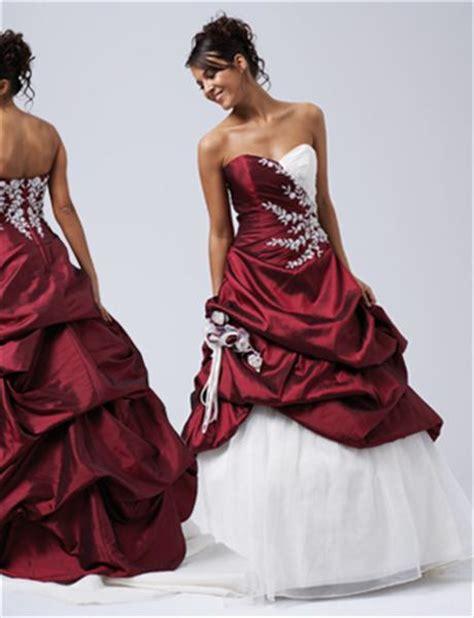 extravagante bruidsjurk gekleurd met bloemen trouwjurk kleur