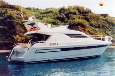 boten te koop sneek mochi 43 motorboot te koop jachtmakelaar de valk