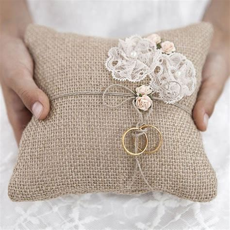 come fare un cuscino portafedi cuscino portafedi yuta per matrimonio shabby chic per