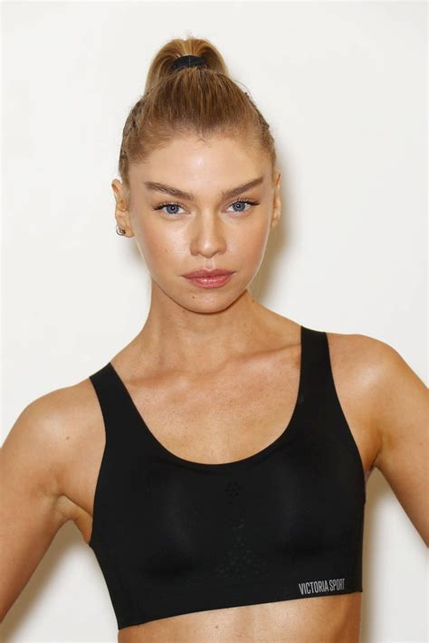 and beth 2017 stella maxwell and beth cooke like an with s secret 10 24 2017