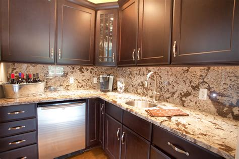 backsplashes for kitchens with granite countertops best 20 kitchen countertops and backsplash ideas gosiadesign