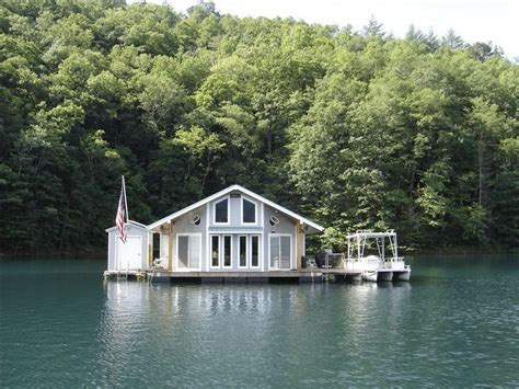 tow boat us lake martin floating lakehouse on lake fontana 2 bedrooms vrbo