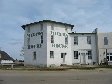 historic homes for sale in milton wisconsin
