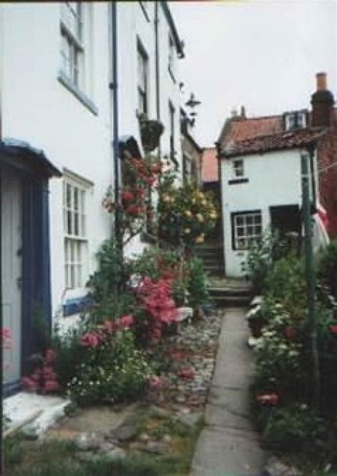Cottage Robin Hoods Bay by Cottage 7 Bloomswell Robin Hood S Bay