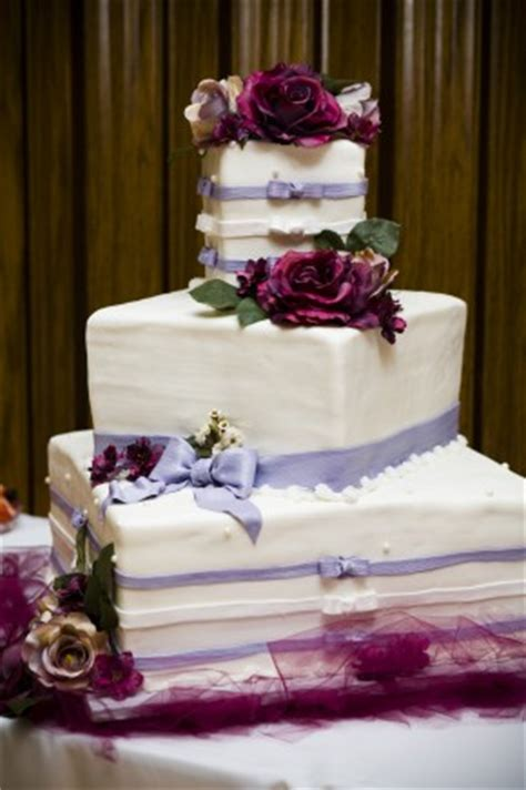 Budget Wedding Cakes by Saving Money With A Great Choice Of Budget Wedding Cake