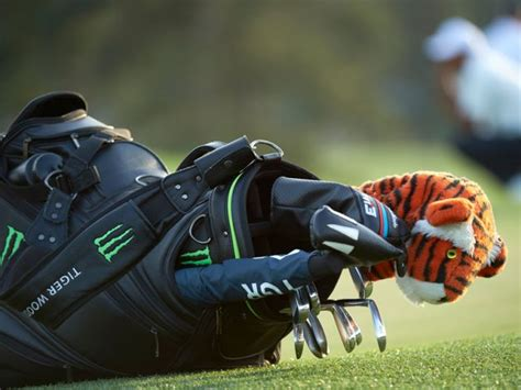 tiger woods whats   bag ryder cup