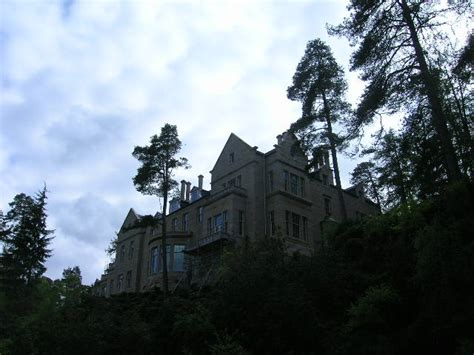 build a mansion a new build mansion 169 ailith stewart geograph britain