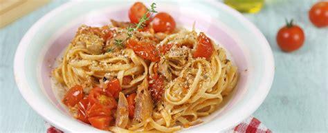 cucinare lo sgombro ricetta pasta con lo sgombro e pomodorini agrodolce
