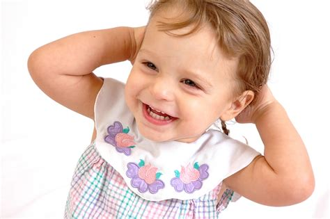 beautiful children wallpaper playing and laughing babies laughing baby wallpapers 29 wallpapers adorable wallpapers