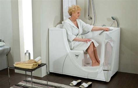Geriatric Bathtubs by Walk In Tubs And Showers For Elderly Home Interior