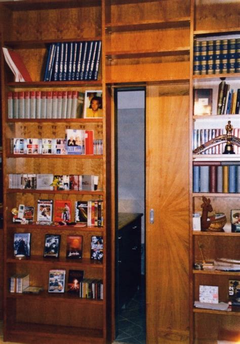 libreria con porta scorrevole il falegname artigiano pomezia roma armadi camere da