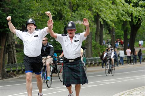 Officer Run by Metropolitan Charity Run In New York Raises Funds