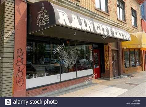 broadway tattoo shop tatoo shop stock photos tatoo shop stock images alamy