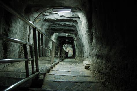 Tempat Penyimpanan Gantung Jaring Dengan Lobang Di Bawah X345 lubang jepang bukittinggi bahasa indonesia ensiklopedia bebas