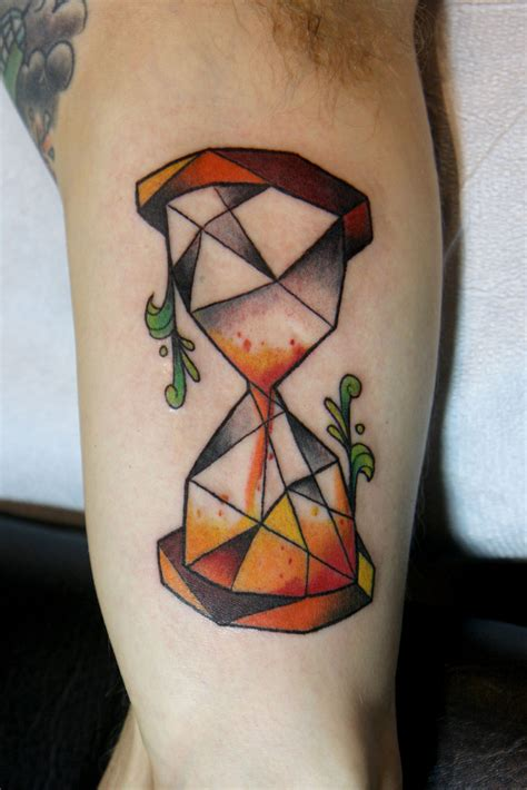 small hourglass tattoo hourglass design small www imgkid the image