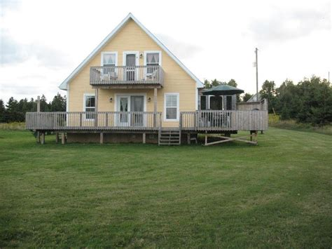 waterfront cottage rentals beautiful waterfront cottage with spectacular view 4 br