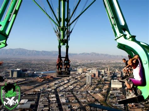 amusement park ride roof at the top of the highest building in las vegas