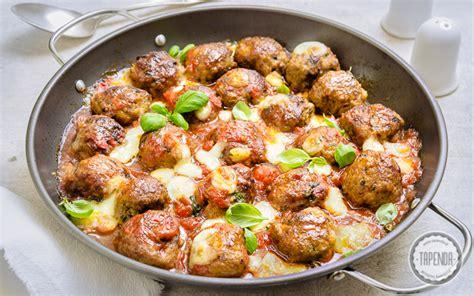 come cucinare polpette di carne polpette di carne con mozzarella al forno ricetta