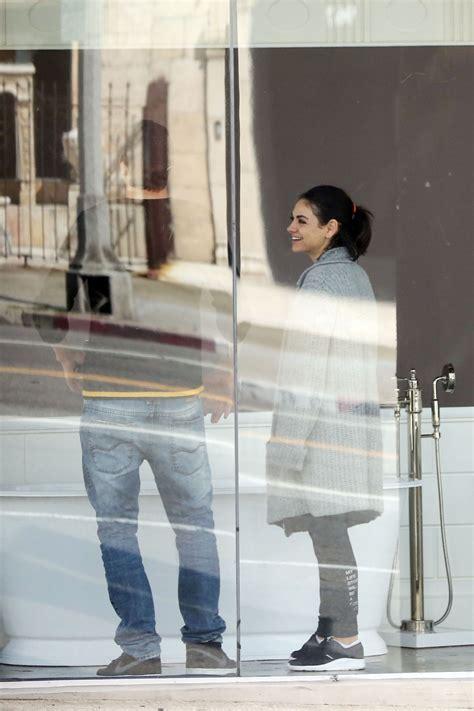 mila kunis bathtub mila kunis ashton kutcher go bathtub shopping in los