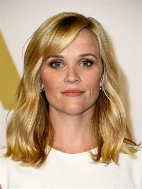 hairstyles with bangs reese witherspoon reese witherspoon medium wavy cut with bangs medium wavy