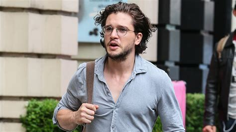 kit harington accidentally punched his of thrones
