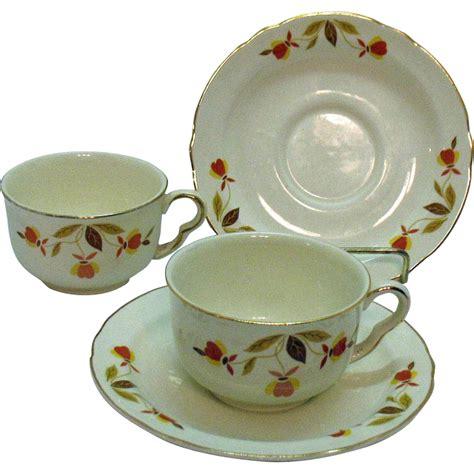autumn leaf pattern jewel tea vintage two sets of jewel tea autumn leaf pattern ruffled