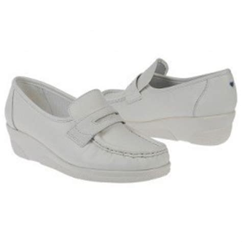 most comfortable nursing shoes most comfortable shoes for nurses