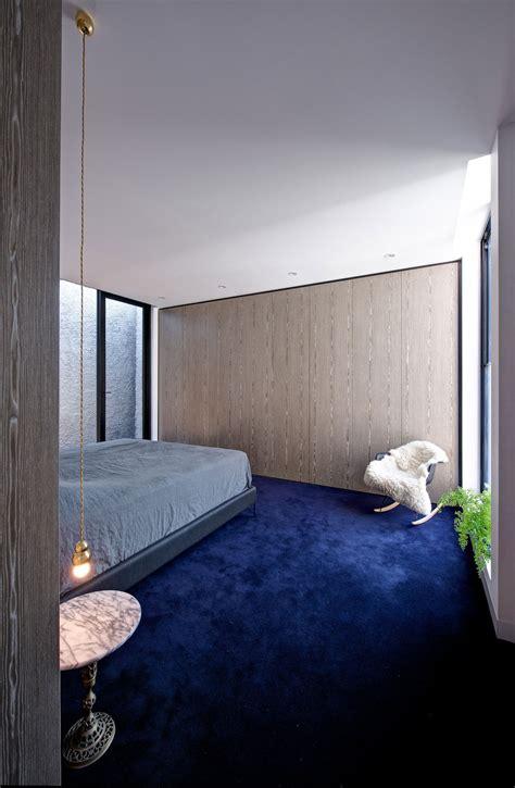 Bedroom Design With Blue Carpet What Colors Go With Royal Blue Carpet Carpet Vidalondon