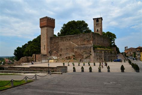 volta mantovana bike tour among ancient villages and castles