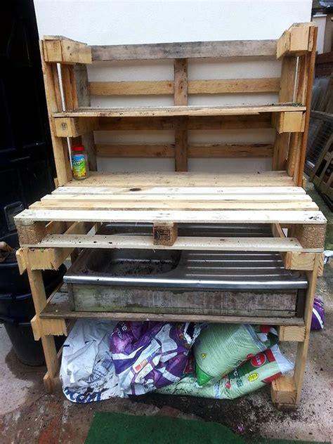 pallet work bench best 25 pallet work bench ideas on pinterest pallet