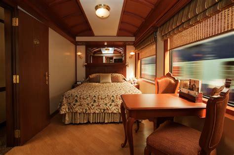 maharajas express  luxury train  india
