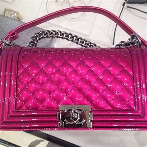 Tas Chanel Coco Medium 1 chanel metallic patent boy bag reference guide and new
