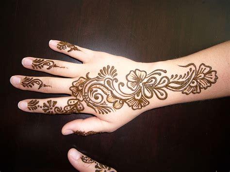henna design for back of hand mehndi designs on back hand mehndi design 99