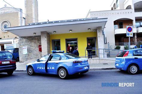 ufficio postale brindisi in quattro tentano la spaccata all ufficio postale