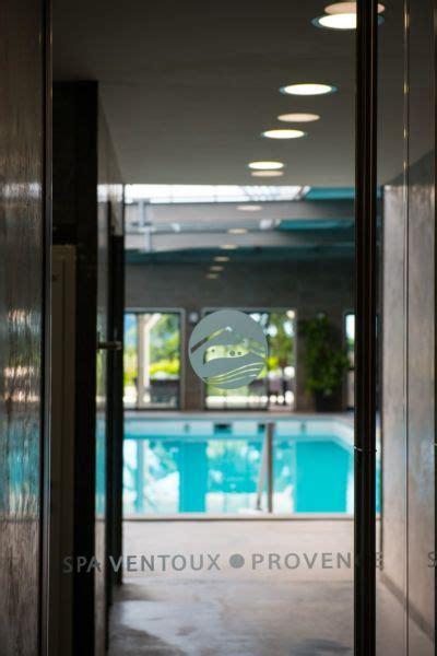 Detox Balneotherapy Bath by Baignoire Balneotherapi Chromatherapie Spa Ventoux Provence